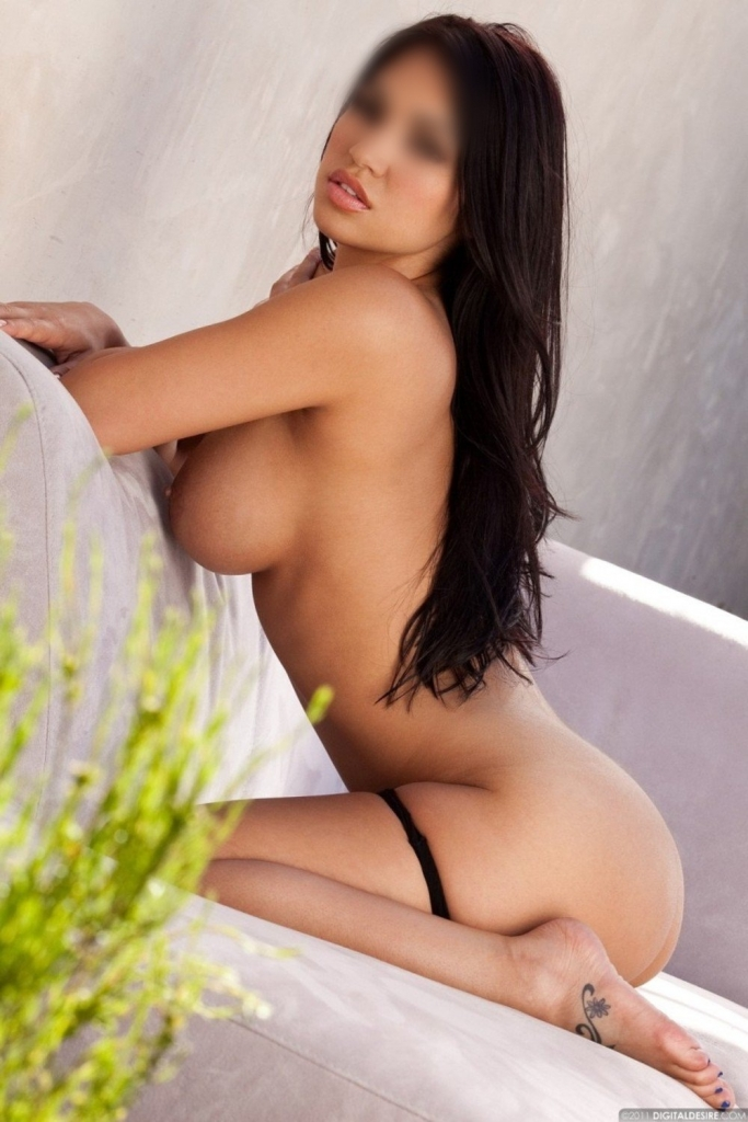 Sarai 20 years old. Spanish